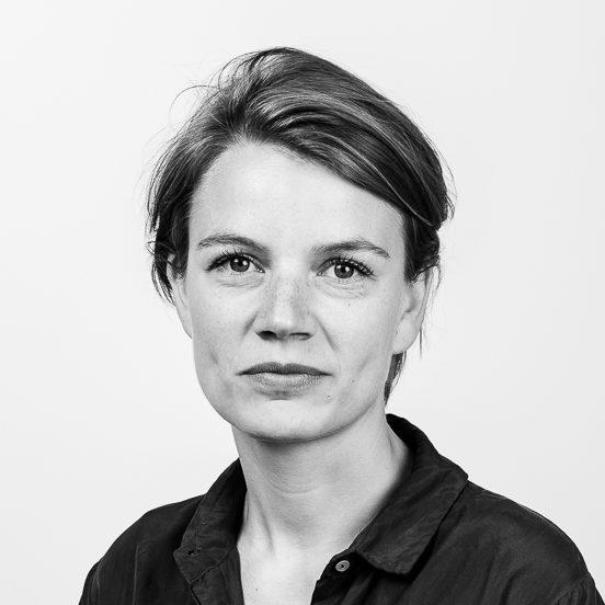 FANNY SERNHEDE (FÖRÄLDRALEDIG)